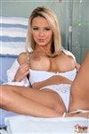 Ashlynn Brooke examines Faye and Devon Lee