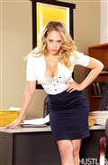 Arial Rose and Kagney Linn Karter make love at the office