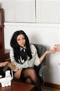 Audrey Bitoni gets pussy pounded on her desk in stockings from Naughty America