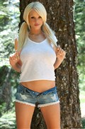 Courtney Cass shows off her hot body in the woods Picture 01