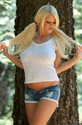 Courtney Cass shows off her hot body in the woods Picture 03