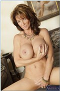 Deauxma seduces a young stud to fuck her Picture 07