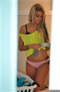 Jessa Rhodes gets spied on and screwed in a yellow top from Mofos Network