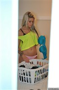 Jessa Rhodes gets spied on and screwed in a yellow top Picture 04