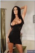 Jessica Jaymes hot cougar seduces a young stud Picture 04