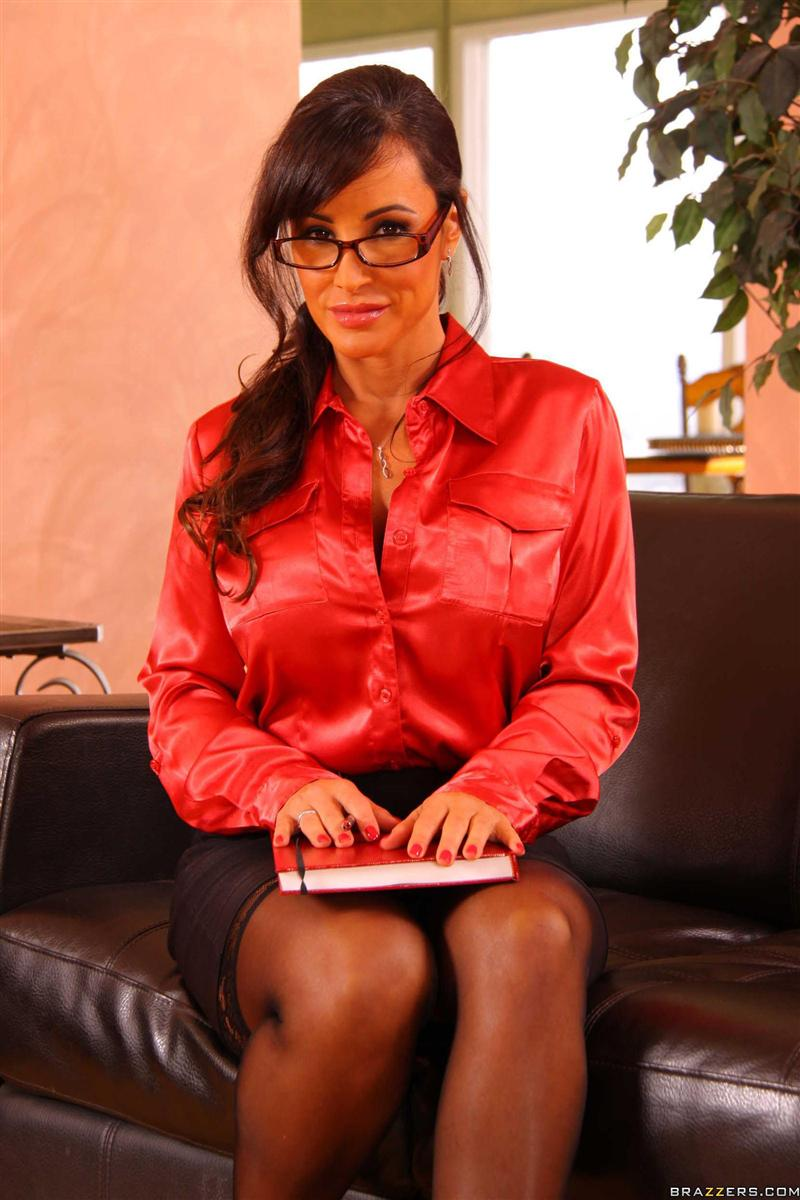 Lisa Ann gets banged in her super sexy glasses Main Image