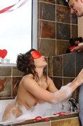 Teal Conrad screws her man in a bathtub on Valentines Day