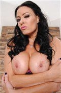 Vanilla DeVille Chloe James and Ava Addams lick pussy Picture 02