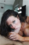 Veronica Avluv gets banged on the bed in black stockings from evilangel